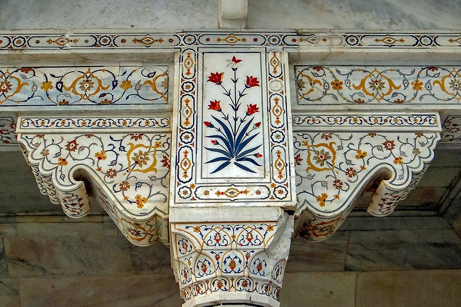 Traditioanl arts and crafts in India | Stone inlay