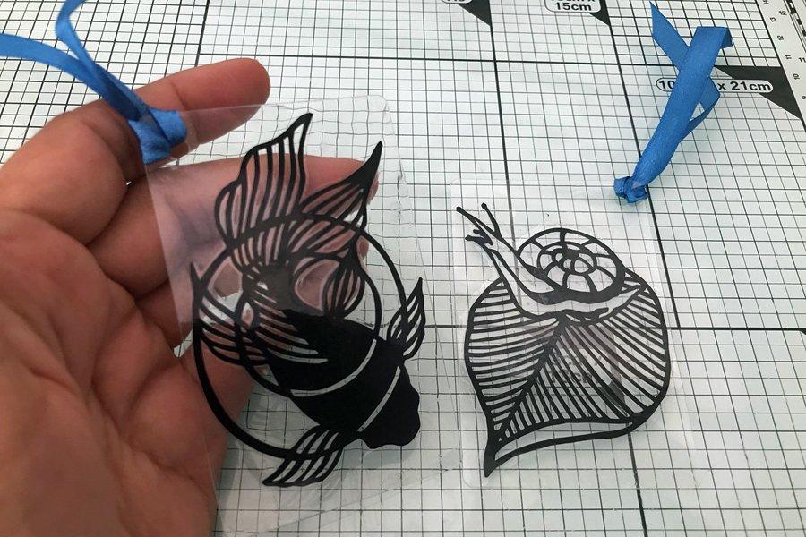Kirie bookmark by Nozomi Design