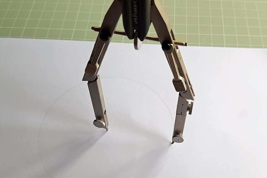 Jointed compass legs